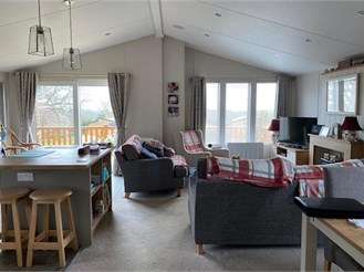 2 bed park home in Upton, Ryde