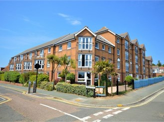 2 bed first floor flat in Sandown
