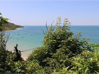4 bedroom detached house in Totland Bay