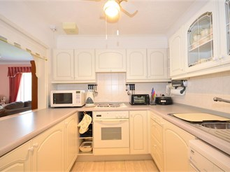 3 bed first floor apartment in Aldingbourne, Chichester