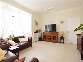 1 bedroom second floor apartment in Ryde