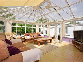 5 bedroom detached bungalow in Winford, Sandown