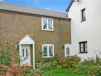 2 bedroom terraced house in Chale Green