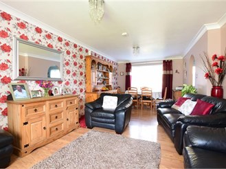 3 bedroom end of terrace house in Denmead
