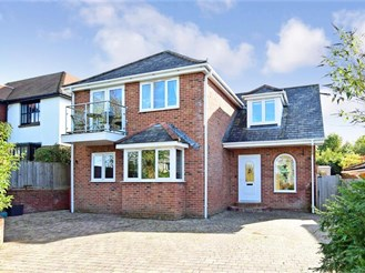 3 bedroom detached house in Totland