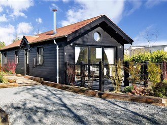 2 bedroom semi-detached bungalow in Rookley, Ventnor