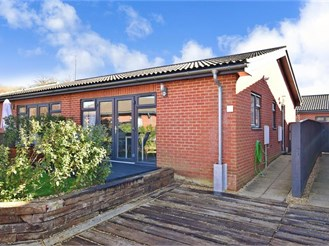 2 bed park home in Rookley, Ventnor