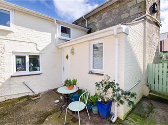 2 bedroom cottage in Niton