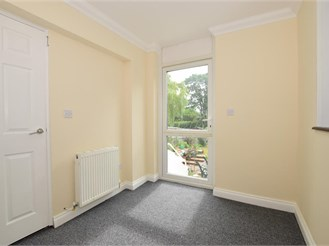 2 bedroom ground floor apartment in Ryde
