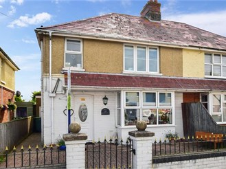 3 bedroom semi-detached house in Seaview