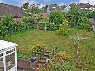 4 bedroom detached bungalow in Cowes