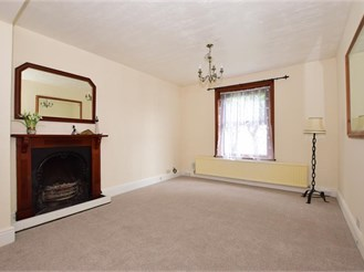 4 bedroom detached house in Newport