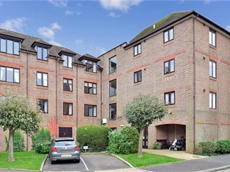 1 bedroom top floor flat in Pulborough