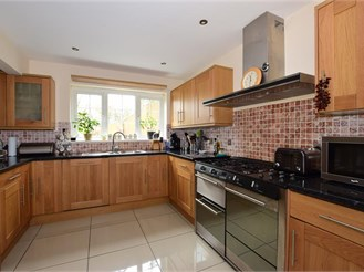 5 bedroom detached house in Newport