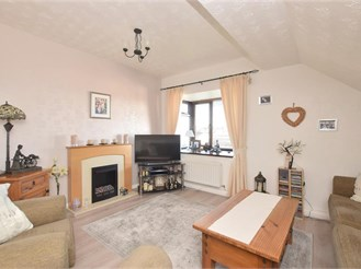 3 bedroom second floor flat in Southsea