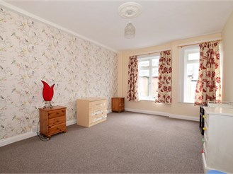 2 bedroom end of terrace house in Newport