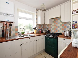 2 bedroom terraced house in Totland Bay