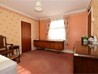3 bedroom semi-detached house in Freshwater