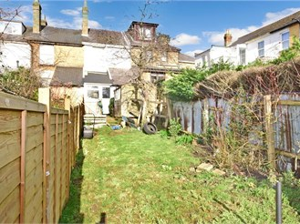 2 bedroom terraced house in East Cowes