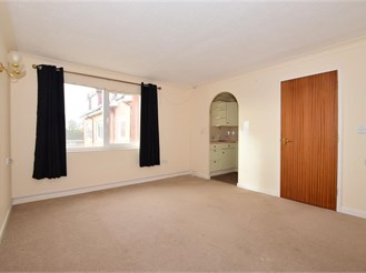1 bedroom first floor retirement flat in Wootton Bridge, Ryde