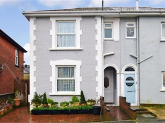 3 bedroom semi-detached house in Shanklin