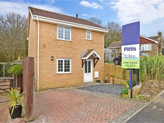 3 bedroom detached house in Freshwater