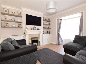 3 bedroom end of terrace house in East Cowes