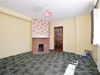 2 bedroom semi-detached house in East Cowes