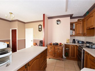 4 bedroom semi-detached house in Portsmouth