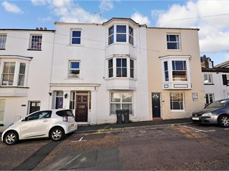 2 bedroom top floor apartment in Ryde