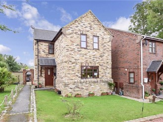 3 bedroom detached house in Sandown