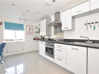 4 bedroom town house in Portsmouth