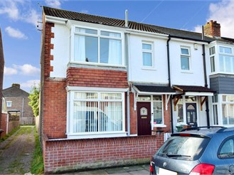 3 bedroom terraced house in North End, Portsmouth
