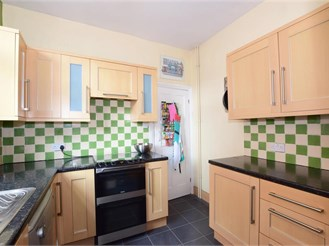 3 bedroom end of terrace house in Southsea