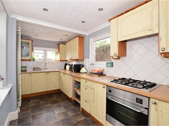 3 bedroom semi-detached house in Cowes