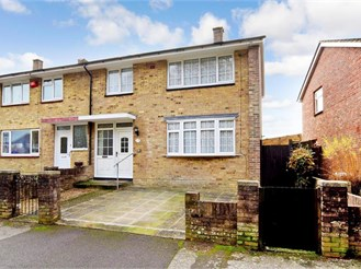 3 bedroom end of terrace house in Havant