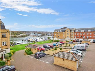 3 bedroom town house in East Cowes