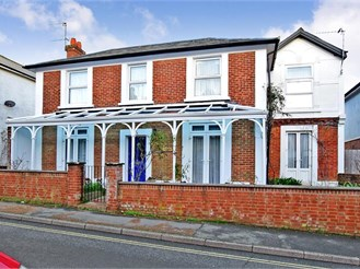 4 bedroom character property in Sandown