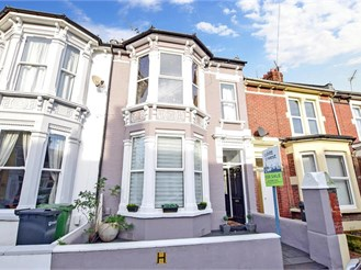 5 bedroom terraced house in Portsmouth