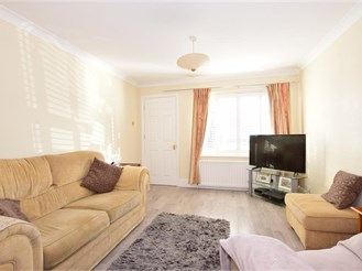 4 bedroom semi-detached house in Havant