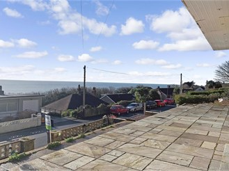 4 bedroom detached house in Ventnor