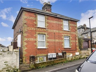 2 bedroom ground floor maisonette in Ryde