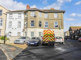 3 bedroom first floor flat in Sandown