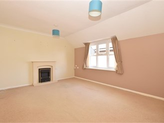 1 bed first floor retirement flat in Emsworth