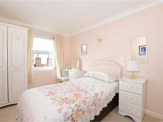 1 bed second floor retirement flat in Southsea